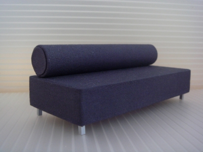 1:18 TOOTSIE ROLL SOFA