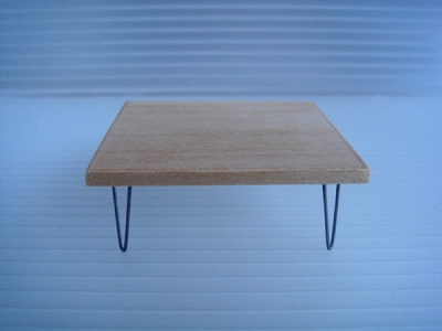 1:18 V-LEG SQUARE WOOD COFFEE TABLE