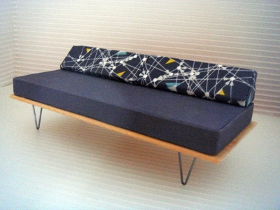 *NEW* V-LEG DAY BED SOFA