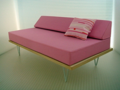 1:6 V-LEG DAY BED SOFA