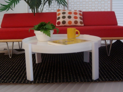 WHITE TRAY COFFEE/SIDE TABLE